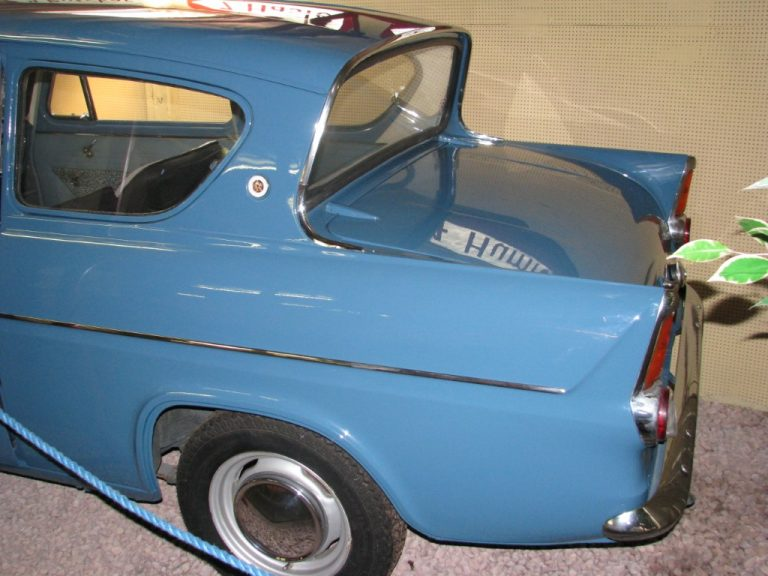08324 Ford Anglia DeLuxe 1961
