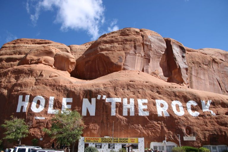26594 Hole in the Rock
